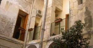 hostel reservations in Siracusa
